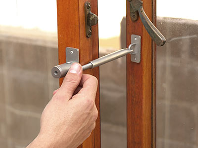 Diy Home Security Quick And Easy To Install Locklatch