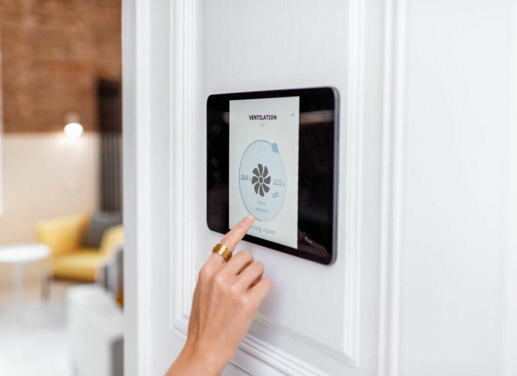 home-ventilation-locklatch